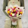 Букет из 31 разноцветных кенийских роз фото