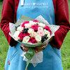 Букет из роз и ежевики фото