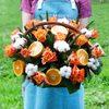 Корзина с апельсином, хлопком и розами фото