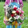 Корзина с ананасом, конфетами и орхидеями фото