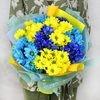 Яркий букет из кустовой хризантемы фото